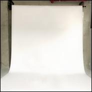 【ゴシック調な白ホリゾントレンタル撮影スタジオ】